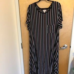 Pastel Striped/Black Background Carly